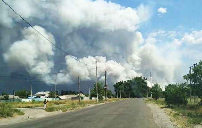 Лесной пожар в Луганской области достиг населенных пунктов, жителей эвакуируют