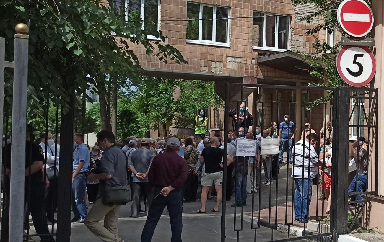 У Харкові відбулися сутички під час протесту: постраждали двоє поліцейських