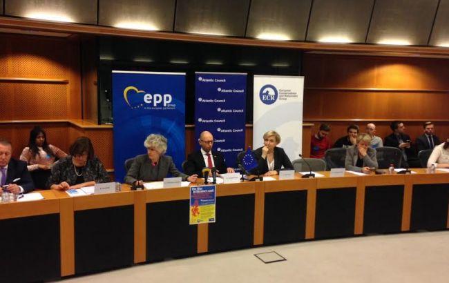 Фото: міжнародна конференція у Брюсселі щодо війни на Донбасі