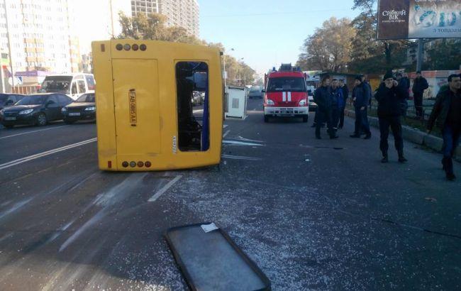 ВКиевской области перевернулась маршрутка, есть пострадавшие