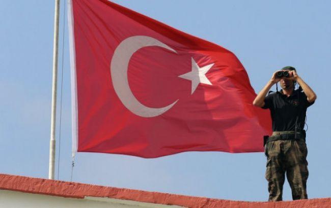 Фото: задержания в Турции продолжаются