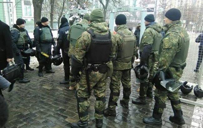 Фото: під час акцій протесту порядок забезпечують близько 2300 правоохоронців