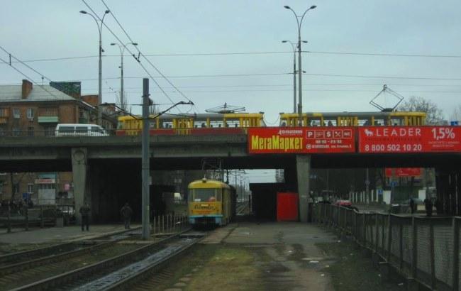 Фото: Путепровод на бульваре Лепсе