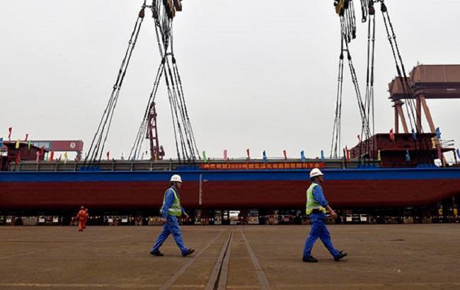 Фото: первый грузовой электрокорабль (chinadaily.com.cn)