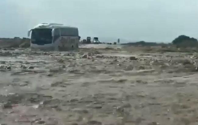 В Израиле от наводнения спасли 50 украинских туристов