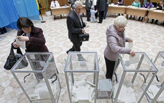 Фото: киевляне будут избирать новый состав горсовета