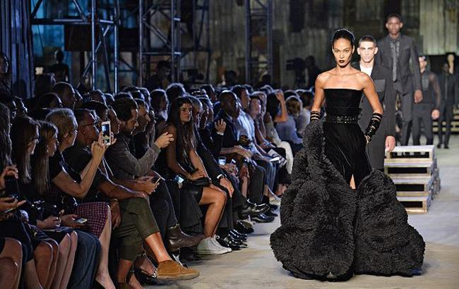 """Givenchy 9/11: """"поминальный"""" показ в Нью-Йорке собрал рекордное количество суперзвезд"""