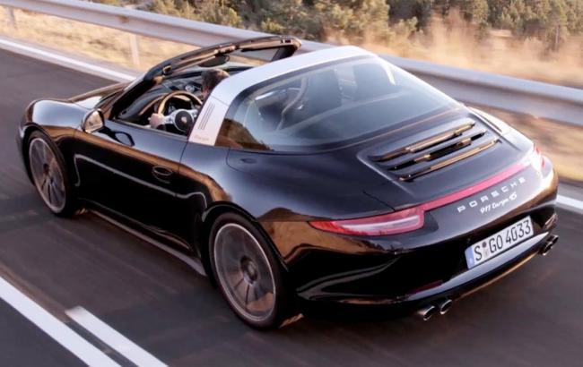 Porsche 911 Targa (скриншот youtube.com/YOUCAR)