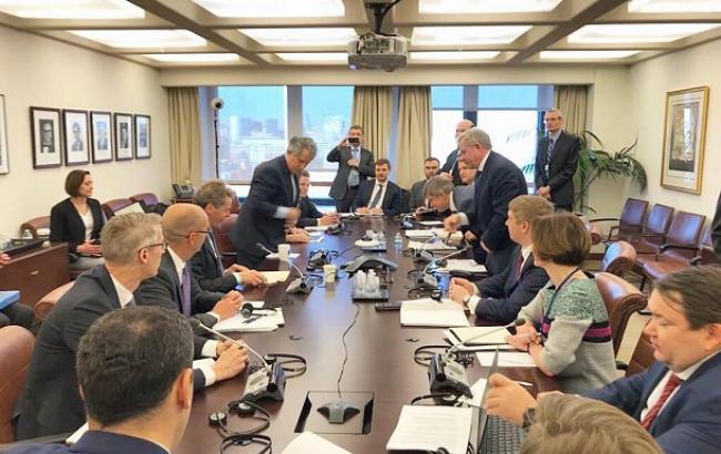 Украина и МВФ обсуждают условия пересмотра программы сотрудничества