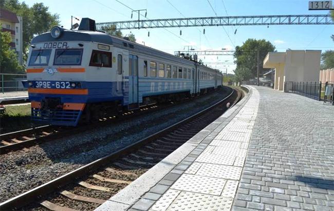 Фото: поїзд (facebook.com-JSCUkrzaliznytsia)