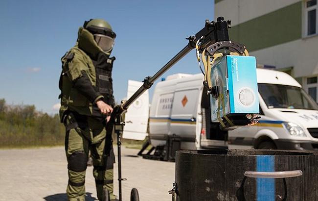 ВКиеве «заминировали» рынок: эвакуировали около тысячи человек