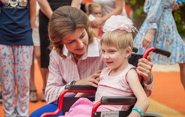 Марина Порошенко открыла в Днепре первый в Украине инклюзивный парк, построенный ОГА
