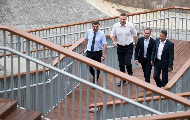 открытие лестницы (пресс-служба Кличко)