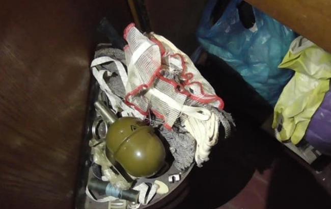 Полиция изъяла у жителя Харькова наркотики и гранату