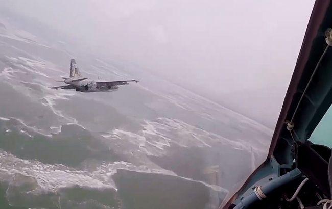 Льотчики ООС провели тренування над Азовським морем