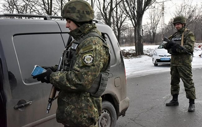 Фото: Госпогранслужба фиксирует увеличение пассажиропотока в пунктах пропуска на Донбассе