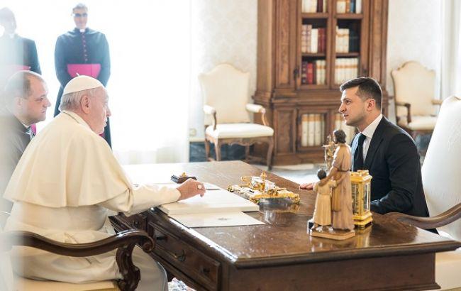 Зеленський попросив Папу Римського про допомогу зі звільненням полонених українців
