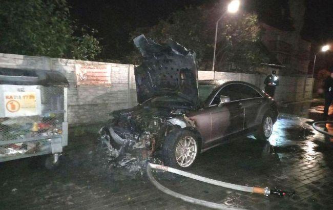 У Рівному спалили автомобіль кандидата в облраду