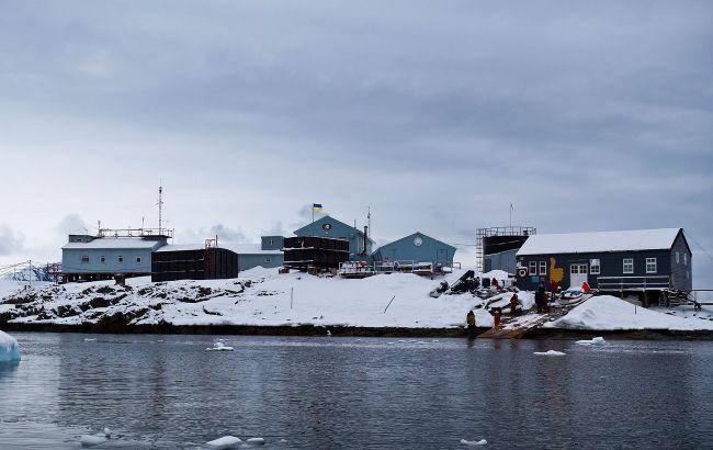 Українські полярники в Антарктиді побачили диво народження на Святого Миколая: яскраві фото