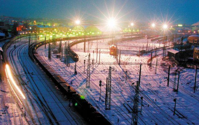 В УЗ повідомили, чи вплинула негода в Україні на розклад руху потягів