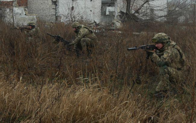 Бойовики на Донбасі обстрілювали позиції ООС, військовим довелося відповідати
