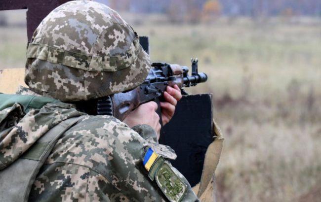 """Бойовики 13 разів порушили """"тишу"""" на Донбасі: поранений військовий"""