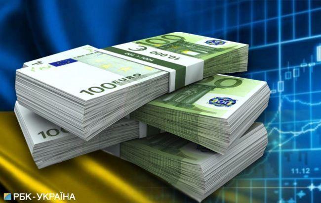 Держборг України скоротився за місяць майже на півмільярда доларів