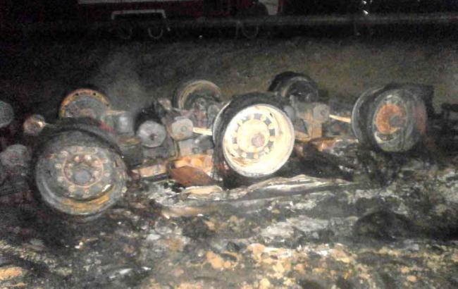 У Дніпропетровській обл. перекинувся і згорів дотла бензовоз