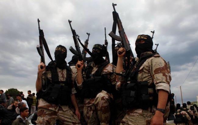 Фото: боевики ИГИЛ сбили военный самолет в Сирии