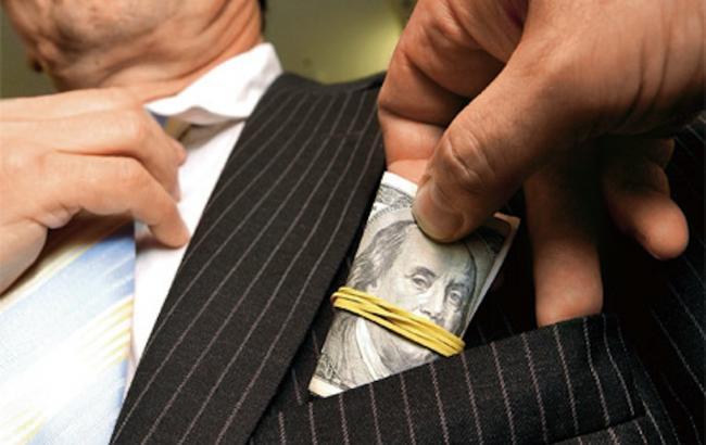 Фото: у Швеца изъяли сотни тысяч долларов
