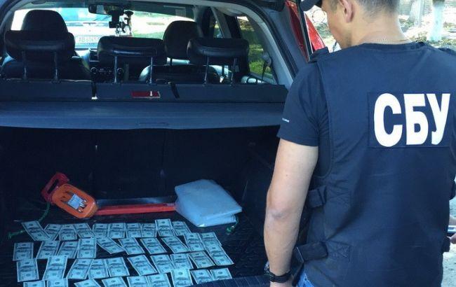 Фото: голову Вінницької РДА затримали на хабарі
