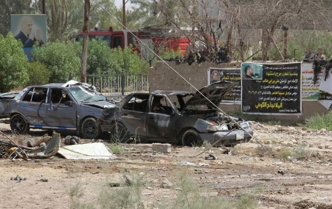 Фото: в Багдаде при взрыве автомобиля погибли 7 человек