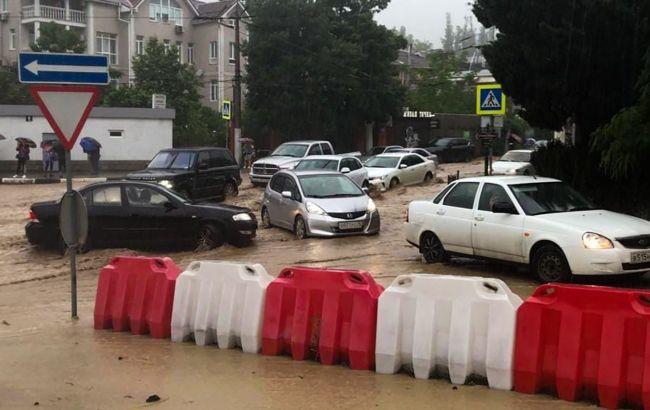 Более 600 эвакуированных, пропавший без вести и погибший: что происходит в затопленной Ялте