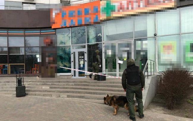 В Киеве на Подоле обнаружили подозрительный предмет: на месте работают взрывотехники