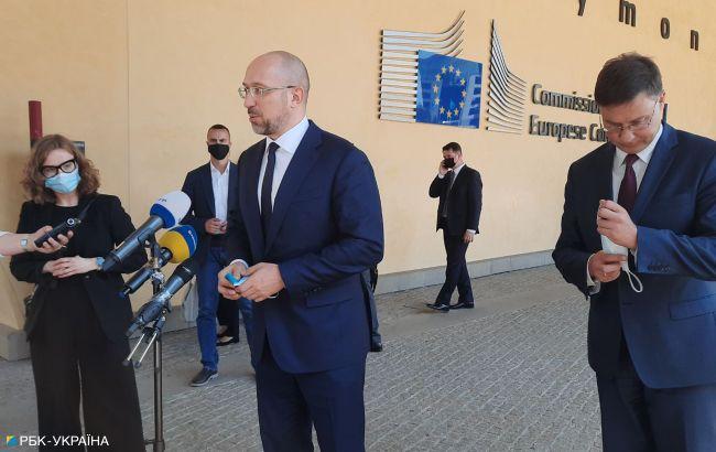 Кабмин инициирует созыв внеочередной сессии Рады для получения помощи ЕС