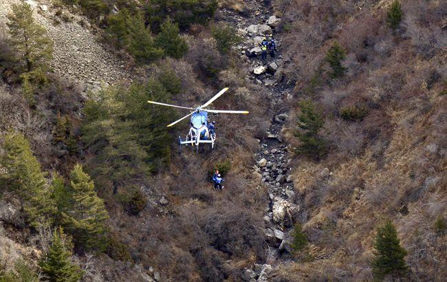В Альпах при крушении самолета погибли три человека