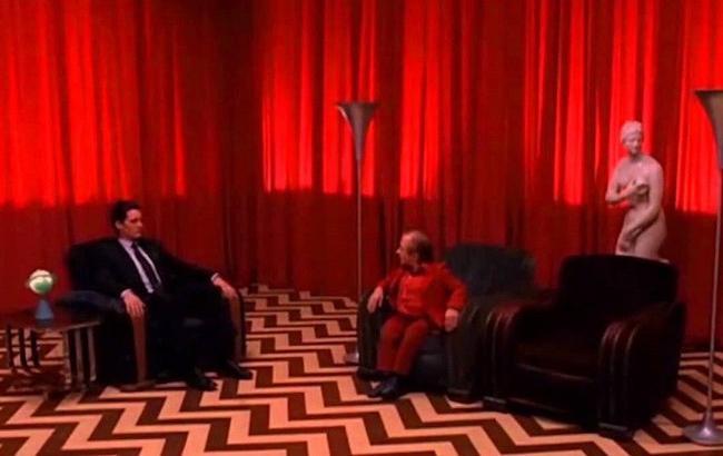 """В Лос-Анджелесе построили красную комнату из культового сериала """"Твин Пикс"""""""