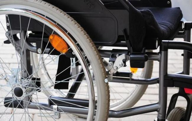 Фото: Инвалидная коляска (vlad.aif.ru)