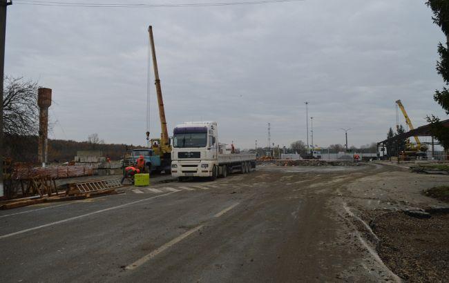 Фото: будівництво на кордоні з Угорщиною