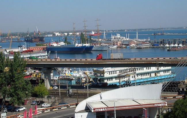 Одесский морпорт за январь-октябрь увеличил перевалку грузов на 10% - до 19,7 млн тонн