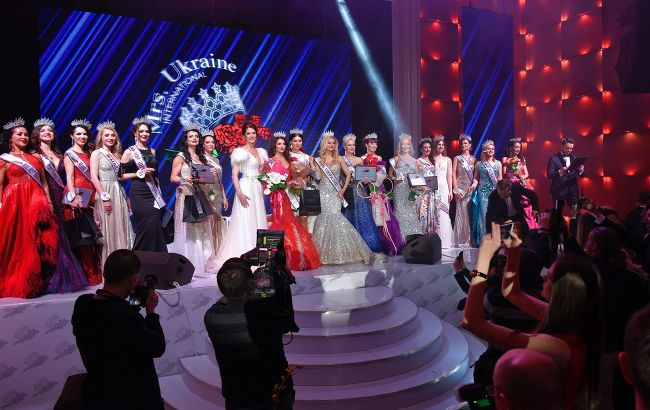 Корона Mrs. Ukraine International 2020 нашла свою королеву: как прошел конкурс успешных красавиц