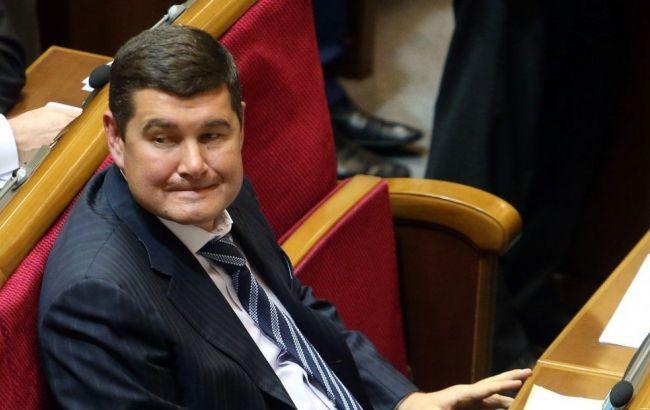Фото: Суд заарештував рахунки Онищенко