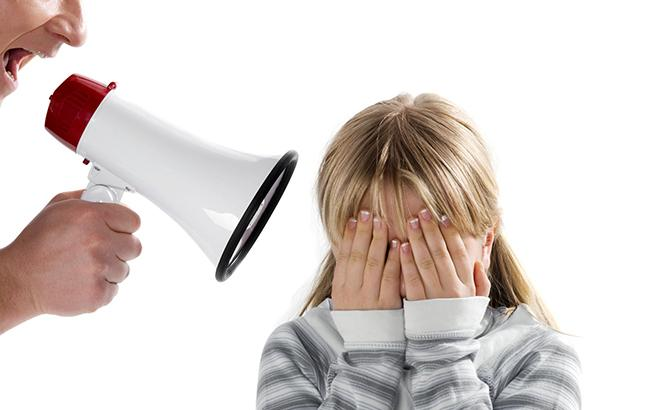 Головне, зберігати спокій: психолог розповіла, що робити, якщо ви накричали на дитину