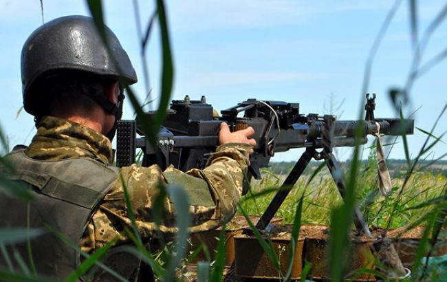За добу на Донбасі бойовики 25 разів порушили режим перемир