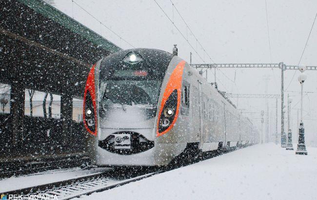 УЗ приостанавливает продажу билетов в Черновицкую и Житомирскую области