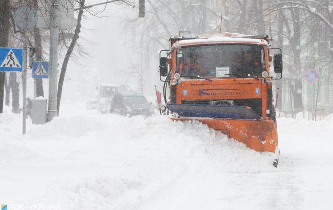 Снегопады накрыли Украину: главное