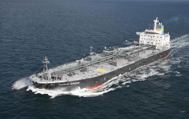 Біля берегів Латвії горить танкер, екіпаж запросив допомогу