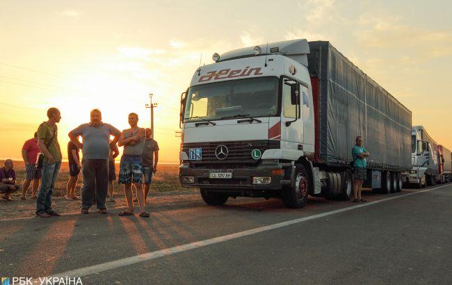 Киев снова запретил въезд грузовиков из-за жары
