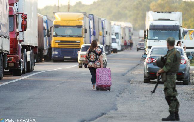 За два дні з Польщі в Україну пішки потрапили майже 3 тис. осіб