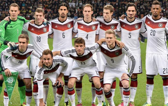Футбольную сборную Германии эвакуировали из отеля в Париже из-за угрозы взрыва